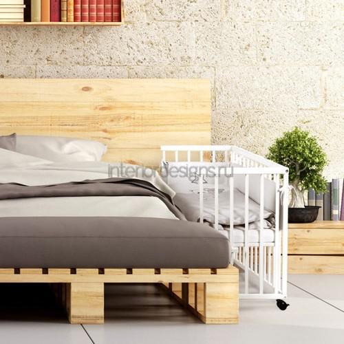 Кроватка в спальне
