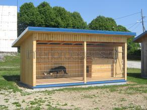 место для собаки во дворе