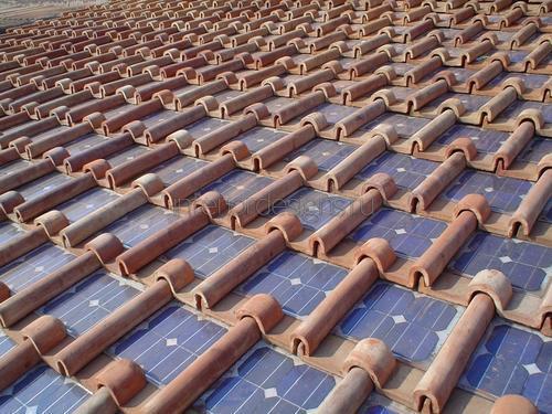 Черепица с встроенными солнечными панелями