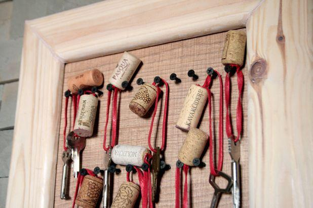 Ключница-декор из пробок