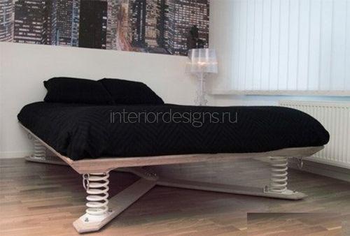 Пружинная кровать