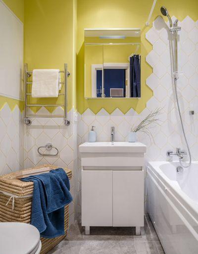 Современный Ванная комната by UD BÀSE