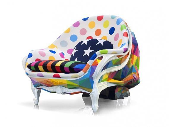 Окуда сан Мигель раскрасил кресло-череп