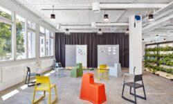 Бренд Vitra представил стул Tip Ton RE из переработанного пластика
